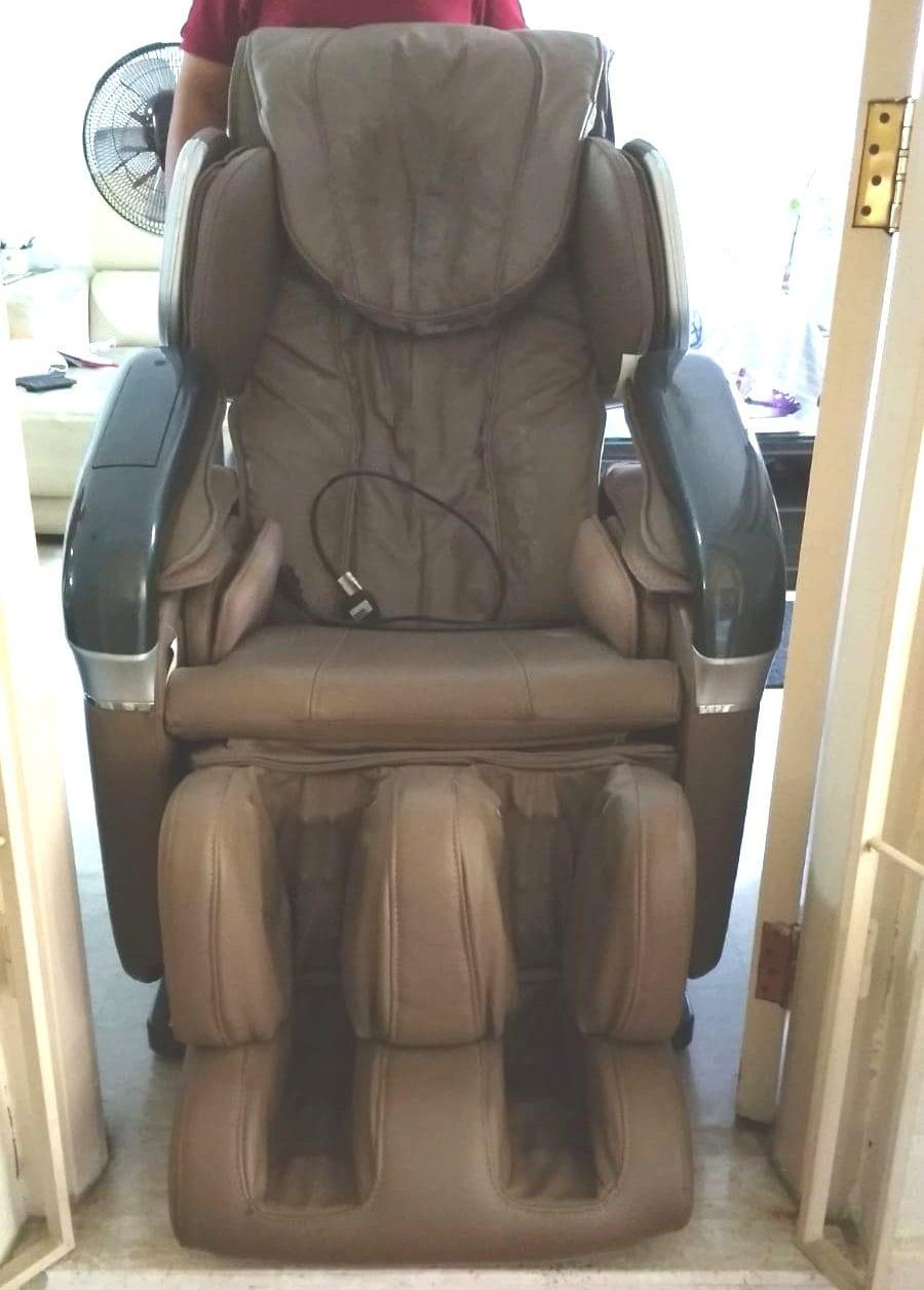 Massage chair stuck at door frame